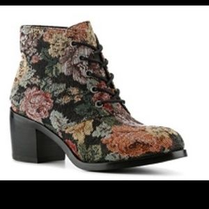 Diba Floral Tapestry Victorian Hippie Ankle Boots